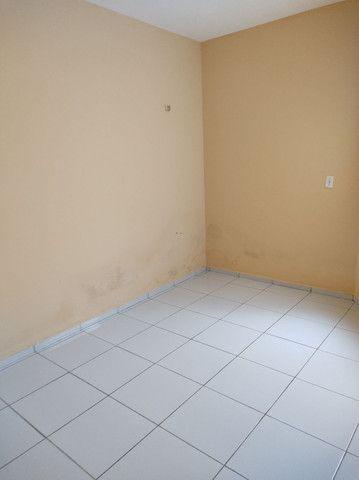 R$ 550,00,ZAP 9  * casa ,2 quartos , 2 banheiro,sala ,cozinha ,varanda e garagem.  - Foto 3