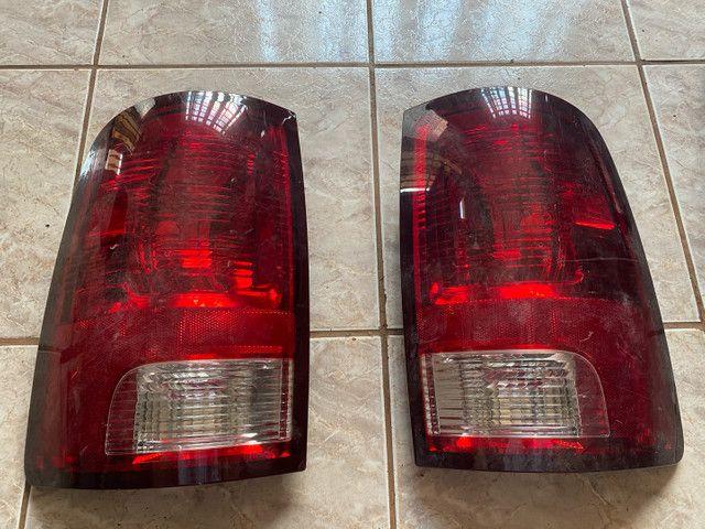 Par lanterna original traseira Dodge Ram 2012