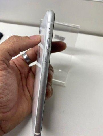 iPhone XR vitrine