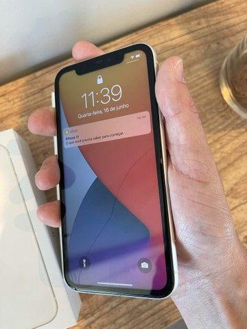 iPhone 11 128GB - VIDRO TRINCADO DA TELA - 12 x 299,90 - Foto 3
