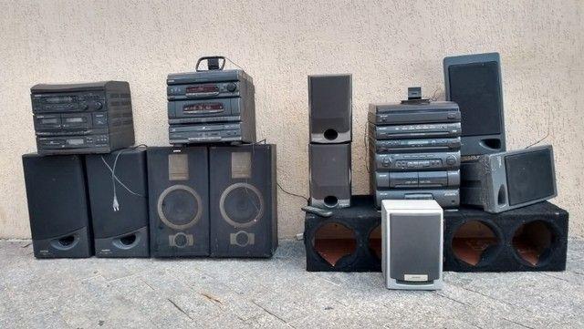 Lote de aparelhos de som e caixas
