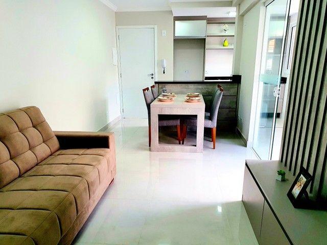 Apartamento de 2 dormitórios com uma suíte, 1 vaga coberta no Vila Fanny. Espaçosa sacada  - Foto 7