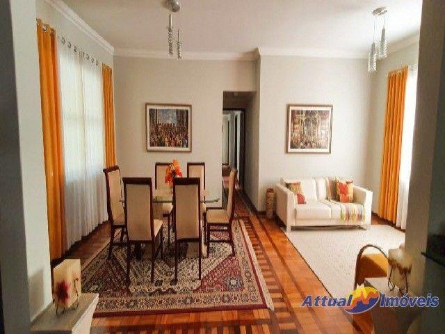 Excelente casa linear com estilo neoclássico, construída em terreno de 5.927 m² , 4 quarto - Foto 7