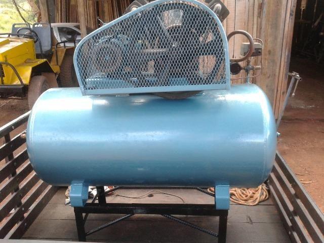 Vende-se ou troca(em moto) compressor em perfeito estado