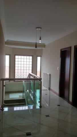 Excelente Cs de Condomínio 443 M2 4 Qts 02 suítes mobiliada finíssimo acabamento !!! - Foto 6