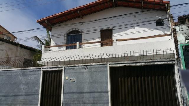 Itapuã Salvador Casa de 4/4 com 2 andares, rua sem saída