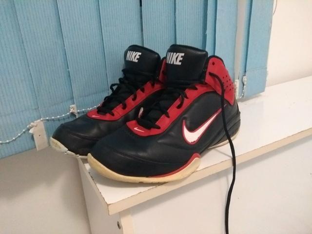 44b21ea7353 Tenis basquete 39 - Roupas e calçados - Barreiros