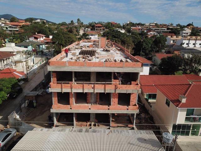 CR- Localizado na avenida principal do Santinho à 500 metros do mar - Foto 2