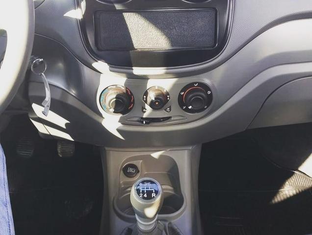 Fiat palio atractive 1.4 2013/2013 completo - Foto 8