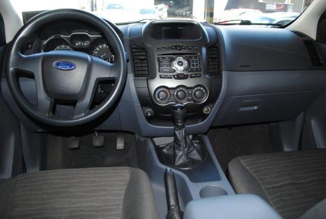 Ford Ranger 2.5 Flex 4x2 CD XLS 2013 - Foto 7