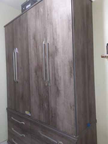 Guarda-roupas 4 portas solteiro
