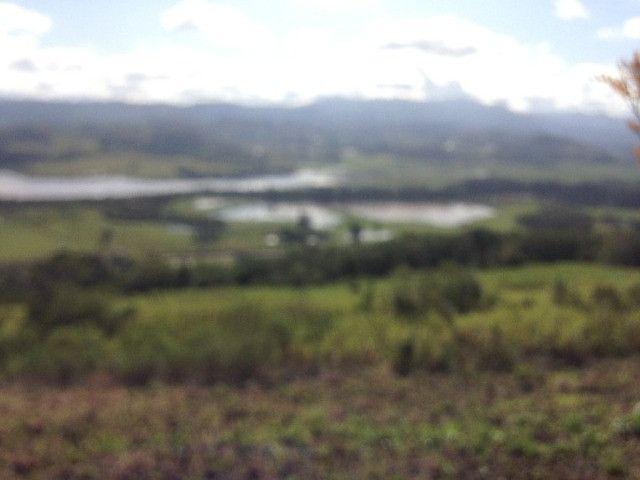Sitio em Santo Antônio 8 Ha com Campo, Roça e Galpão. Linda Vista. Peça o Vídeo Aéreo - Foto 2
