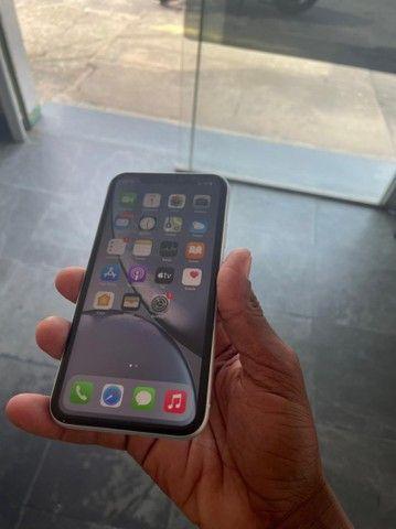 Vendo ou Troco esse lindo IPhone XR