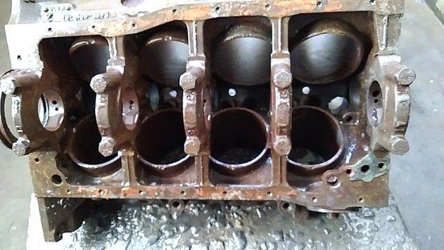 Bloco motor v8 302 com algumas peças. - Foto 4