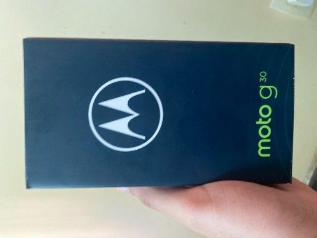 iPhone 11 - 64 GB - Branco - Novo - Foto 5