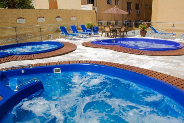 Apto no centro com hidro spa, piscina e estacionamento - Foto 15
