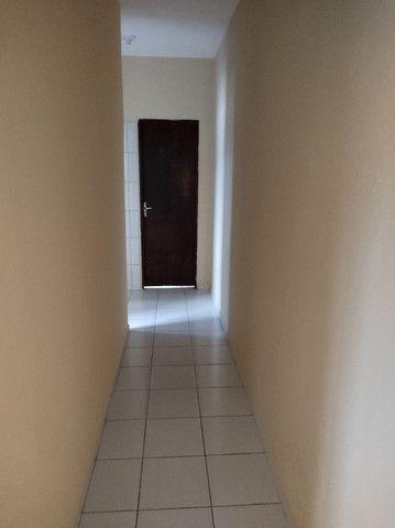 R$ 550,00,ZAP 9  * casa ,2 quartos , 2 banheiro,sala ,cozinha ,varanda e garagem.
