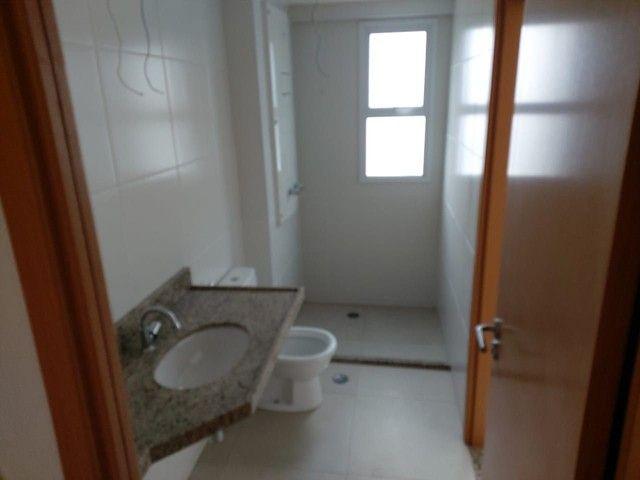 Vendo Apartamento no Edifício Varanda do Alto no Farol - Foto 11