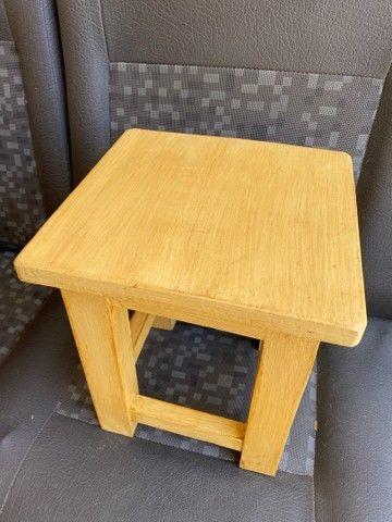 Banquinho de madeira  - Foto 2