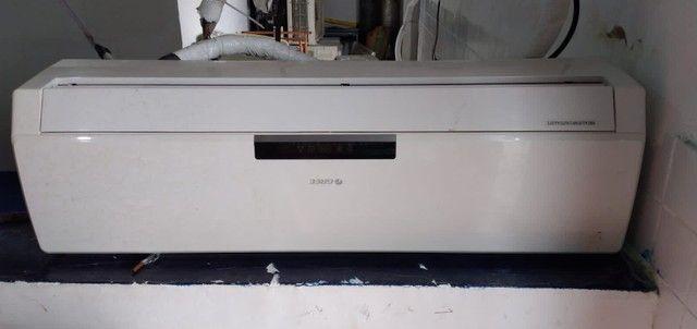 Ar Condicionado (OPORTUNIDADE 3 máquinas)