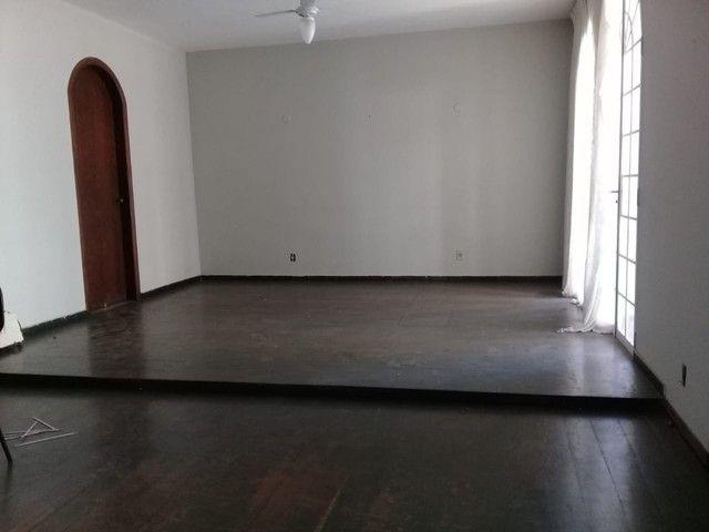 Casa à venda, 4 quartos, 1 suíte, 6 vagas, Sion - Belo Horizonte/MG