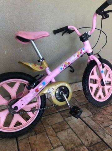 Bicicleta infantil rosa - Foto 4