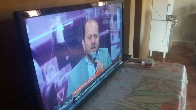 Uma Tv Panasonic  - Foto 2
