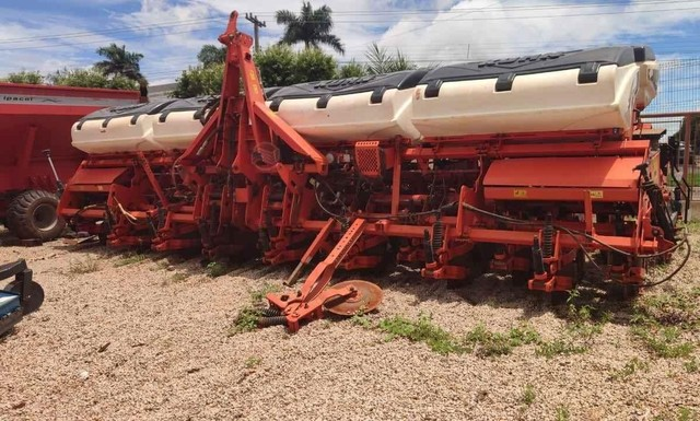 Trator plantadeira Kuhn PDM PG 1700 - Foto 2