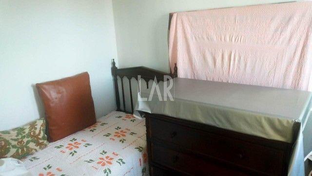 Casa com 04 quartos e excelente localização - Foto 8