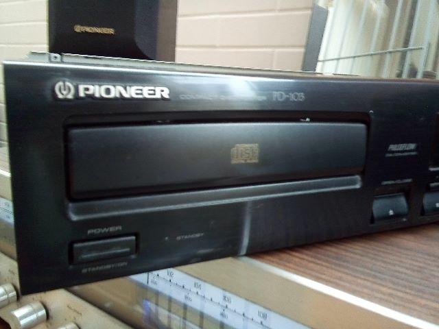 Pioneer compact disc player PD-103