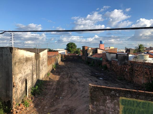 Terreno plano próximo a Forquilha e a avenida Guajajaras