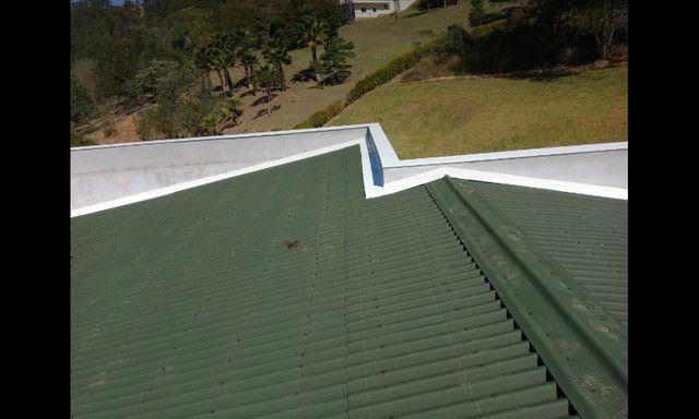 Calhas rufos coifas e telhado