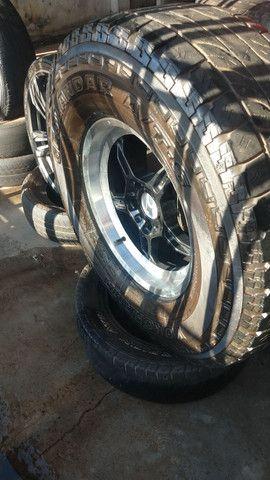 Vendo roda 17 de caminhonete barata