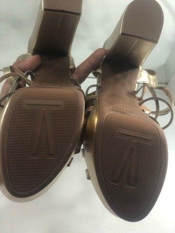 Sandália dourada  - Foto 4
