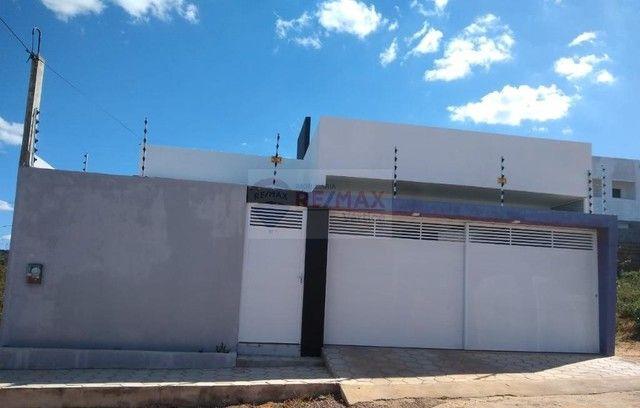 Casa Residencial com 3 Quartos e Suíte.