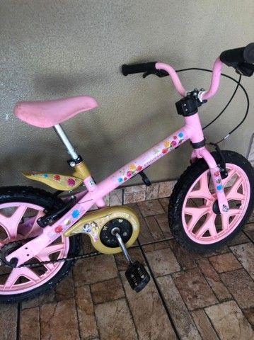 Bicicleta infantil rosa - Foto 5