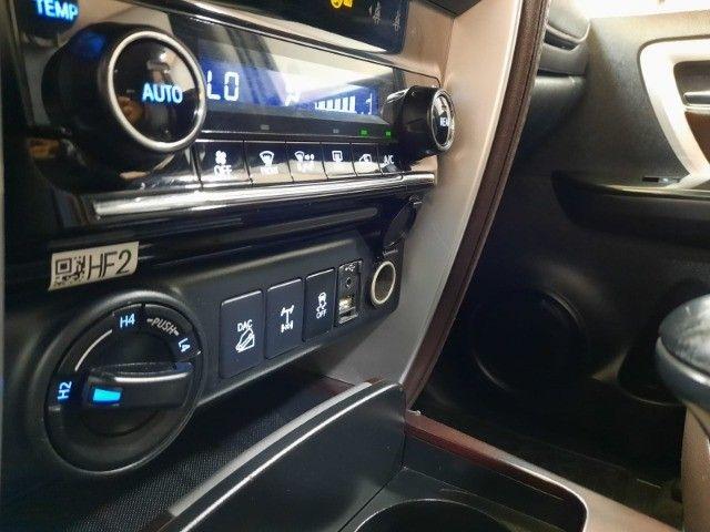 Hilux Sw4  SRX 2.8 4X4 7 Lugares Turbo Intercooler 2016/2016 Diesel Automático - Foto 9
