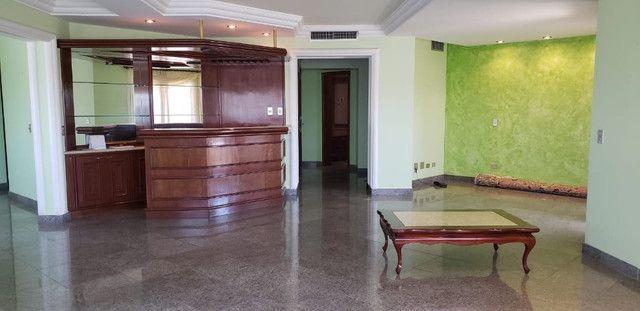 4 Suítes Lindo Apartamento Edifício Comodoro Centro - Foto 17
