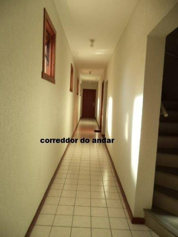 Apartamento 2 dormitórios, 2 boxes, bairro Santana - Foto 6