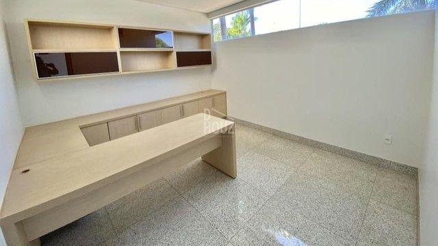Casa com 3 suítes + 1 escritório suíte à venda, 336 m² por R$ 3.400.000,00 - Jardins Paris - Foto 4