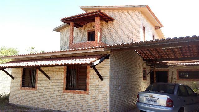 Casa no Eusébio 3 suítes mais escritório