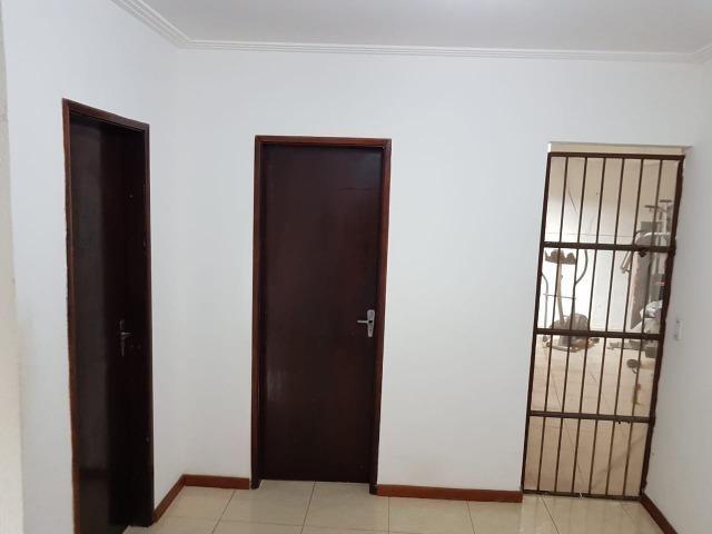 Itapuã Salvador Casa de 4/4 com 2 andares, rua sem saída - Foto 4