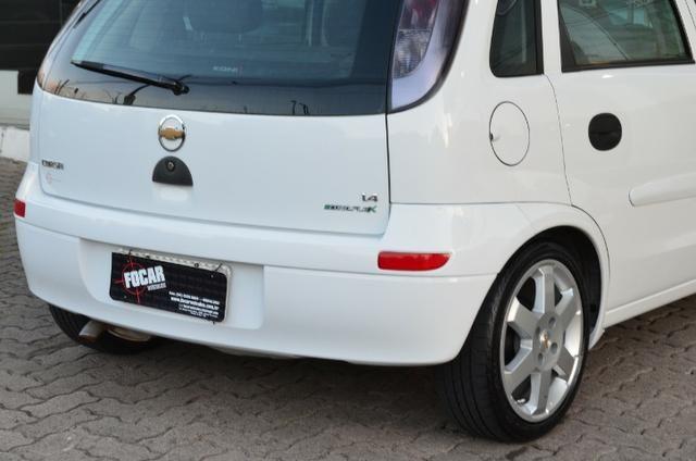 """Corsa Hatch Maxx 1.4 - Legalizado Baixo - Rodas aro 15"""" - Foto 13"""