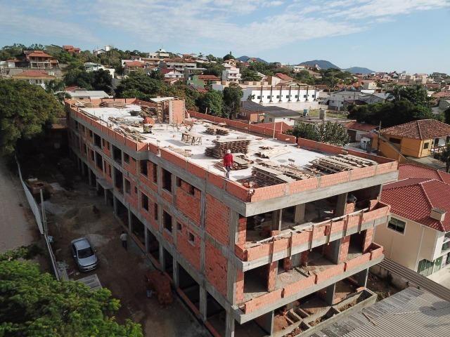 CR- Localizado na avenida principal do Santinho à 500 metros do mar - Foto 7