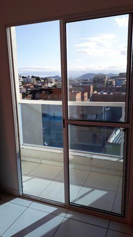Excelente apt 2 qts com suite, closet e vg em Campo Grande - Foto 2