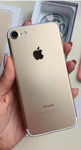 IPhone 7 128gb red ou gold grátis película e case aceitamos cartão - Foto 2
