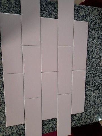 Revestimento linear Rose 10x30 da eliane (Rosa bem suave) sem brilho tenho 6.12 m2
