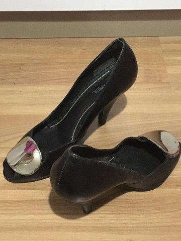 Sapato feminino salto alto preto  - Foto 2