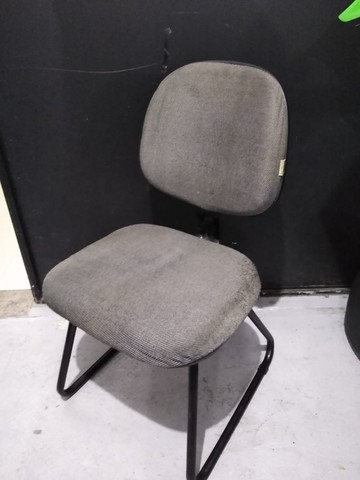 Cadeira Secretária Cinza Fixa