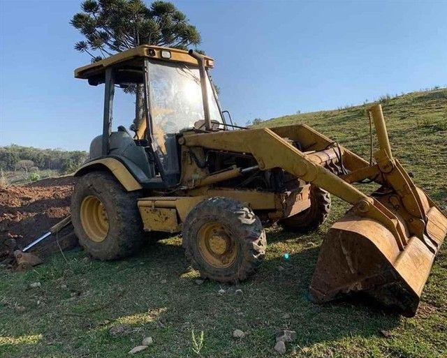 Trator retro escavadeira Caterpillar 416D  - Foto 5